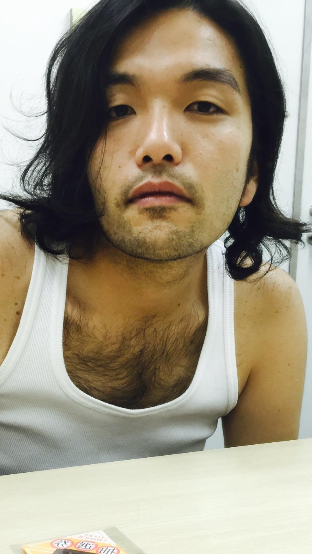 「見取り図 盛山 胸毛」の画像検索結果